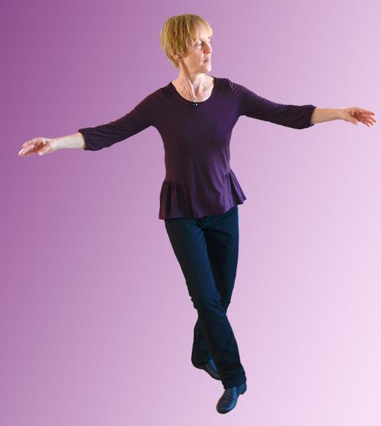 Marielle danst met ons rond het Licht van de WereldVredesVlam